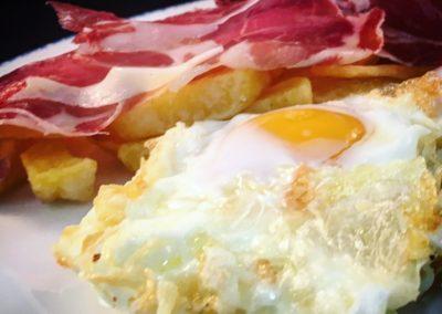 Huevos, Paleta Ibérica de Bellota y Patatas